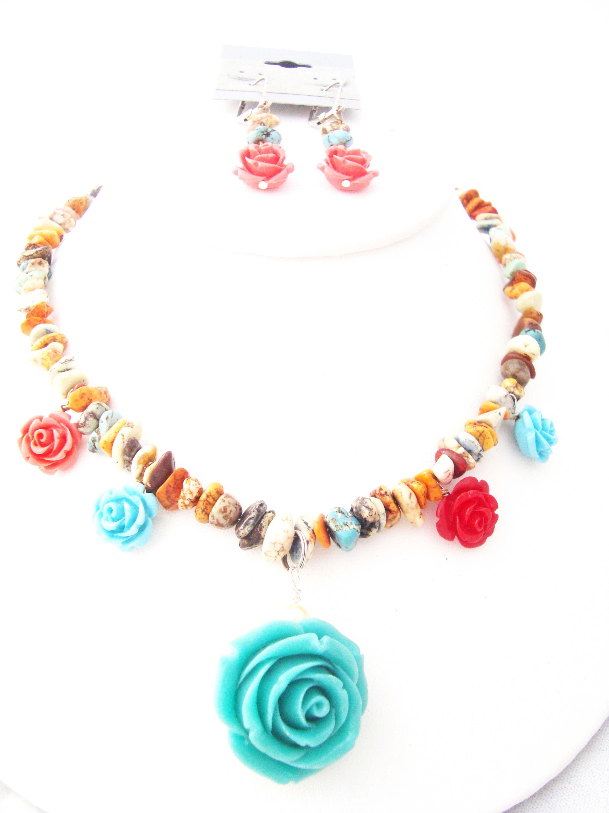 Rose and Rose Necklace Set